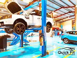 Major Servicing Range Rover At Quick Fit Auto Center