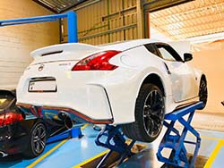Nissan 370Z Major Servicing At Quick Fit Auto Center.
