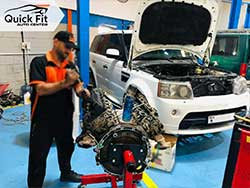 Range Rover Engine Overhauling At Quick Fit Auto Service Center
