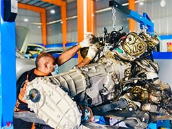 Audi Q7 Engine Rebuild At Quick Fit Auto Center Abu Dhabi